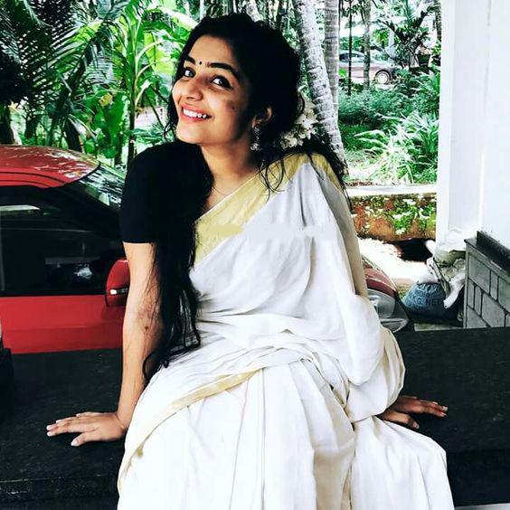 Amazing White Colored Casual Wear Linen Designer Saree For Women