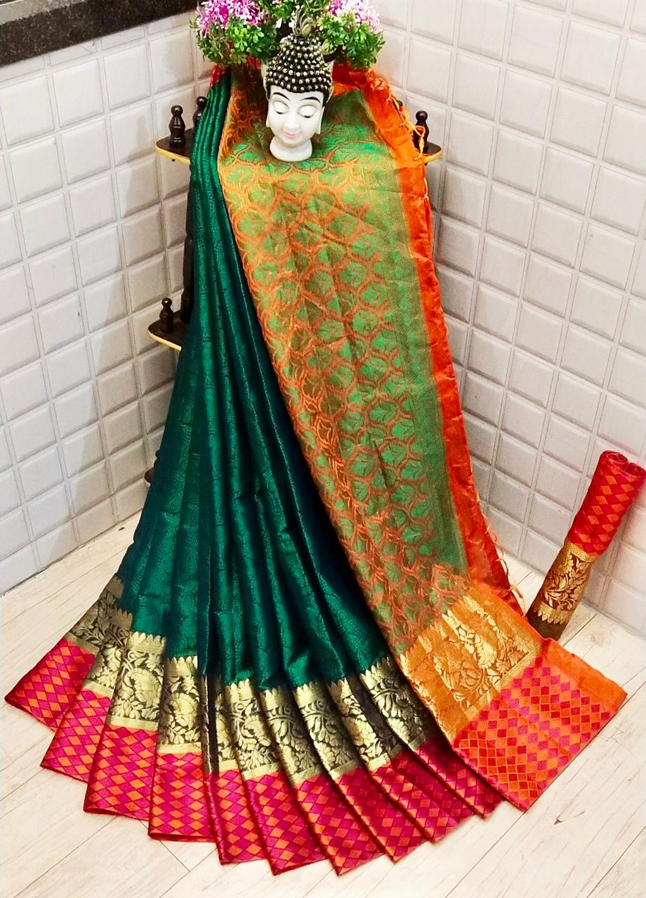 Astounding Green Colored Silk Saree With Blouse