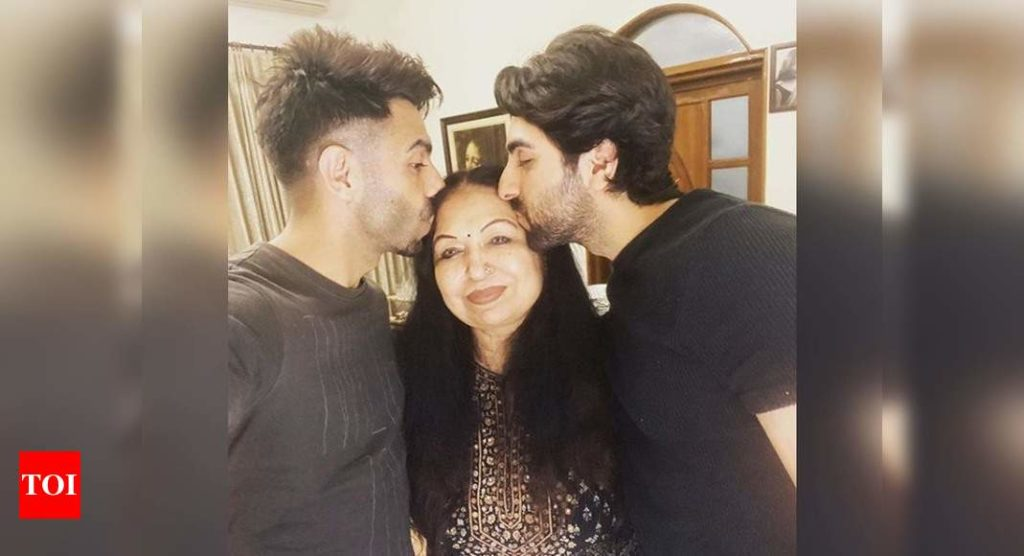 Ayushmann Khurrana shares a candy describe to wish his mother on her birthday!